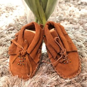 Other - 🦋Suede Leather Baby Moccasins with beaded design